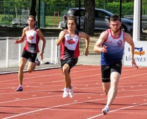 Johan Bouffaut et Thibaut Queffélec seront en lice sur 400 m pour le premier et 100 m sur le second.